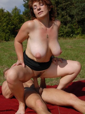 42 year old Misti takes a junior cock deep outdoors at the park