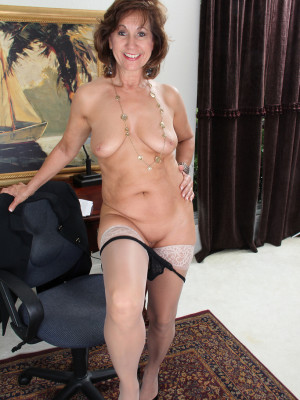image 53 year old granny fucks her old pussy with a dildo